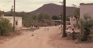 Children playing in Barrio El Barranco, Alamos, Sonora, Mexico. Photo by Anders Tomlinson.