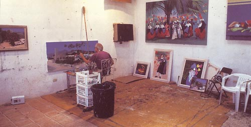 James F. Wilson painting in Alamos, Sonora, Mexico. Photo by Anders Tomlinson.