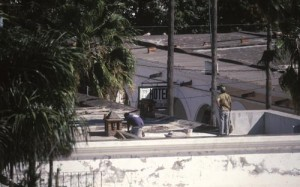Workers on roof, Alamos, Sonora, Mexico. Photo by Anders Tomlinson.