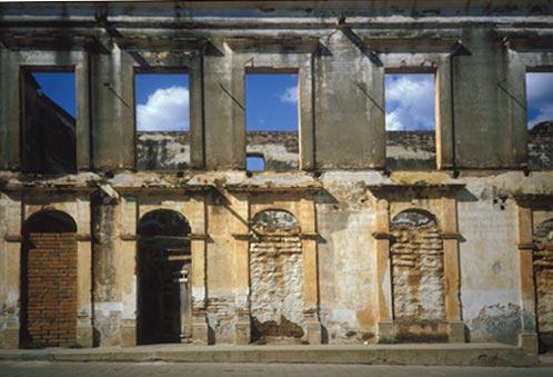 ruin on Calle Comercio, Alamos, Sonora, Mexico.  Photo by Anders Tomlinson