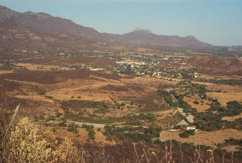 Spring time, looking west from a dry distant hill at Alamos, Sonora, Mexico. Photo by Anders Tomlinson.