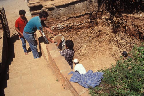 Digging a hole for a cistern, Alamos, Sonora, Mexico.  Photo by Anders Tomlinson.