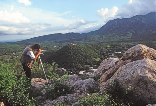 Antonio Figueroa taking late afternoon pictures of Alamos, Sonora, Mexcio.  Photo by Anders Tomlinson.