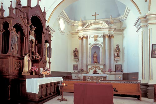 Sanctuary, Bishop Reyes Cathedral interior, Alamos, Sonora, Mexico. Photo by Anders Tomlinson.