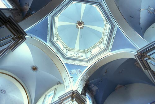 Looking upward. Bishop Reyes Cathedral interior, Alamos, Sonora, Mexico. Photo by Anders Tomlinson.