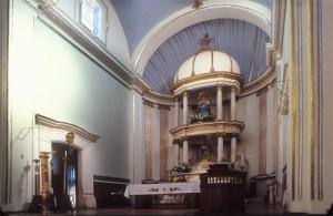Main altar, Bishop Reyes Cathedral interior, Alamos, Sonora, Mexico. Photo by Anders Tomlinson.