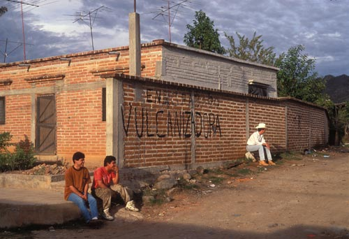 Spectators spending the day watching work at Alfonso's Servicio, Alamos, Sonora, Mexico.  Photo by Anders Tomlinson.
