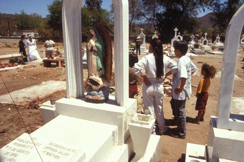 Wedding party visit gravesite in  Álamos, Sonora, México. photo by Anders Tomlinson. 1996