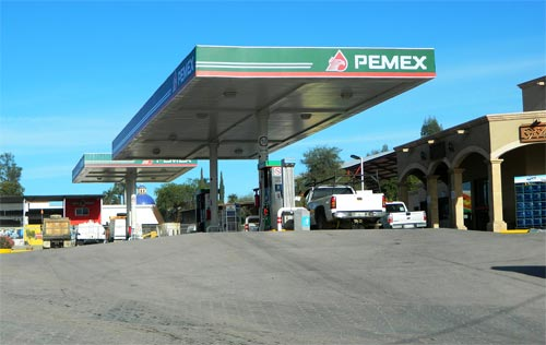 A modern gas station fills the auto needs of Alamos. Photo: Humberto Enríquez. alamos sonora mexico