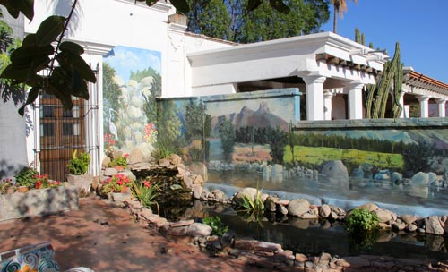 Mural at Casa Serena Vista in Alamos, Sonora, Mexico. Photo by Anders Tomlinson, March 1, 2017.